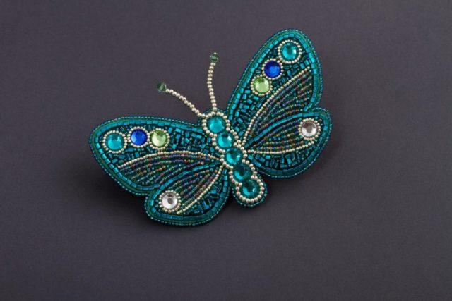 Бабочка из бисера-украшение для любой женщины