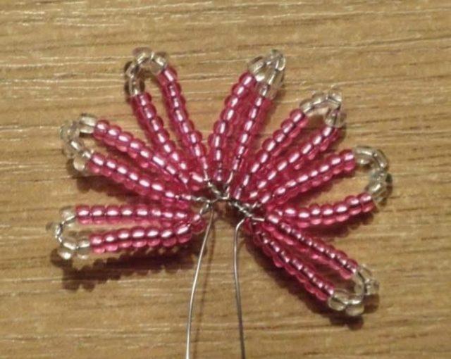 Пошаговая инструкция плетения цветущего клевера
