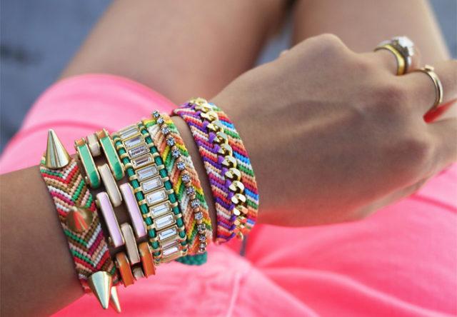 Браслеты из бисера-украшение для молодежи