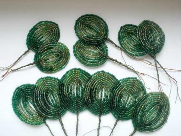 Плетение листиков фиалки