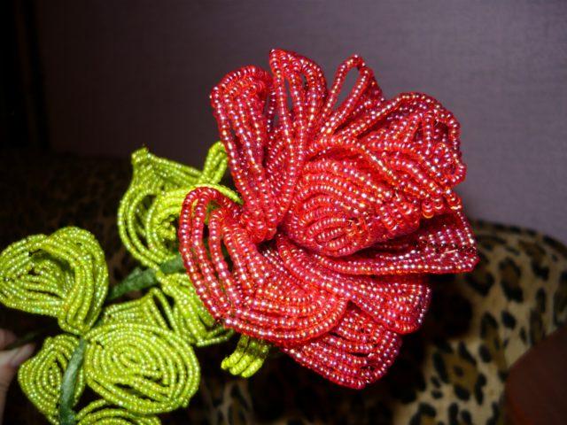 Французское плетение бисером получило большую популярность