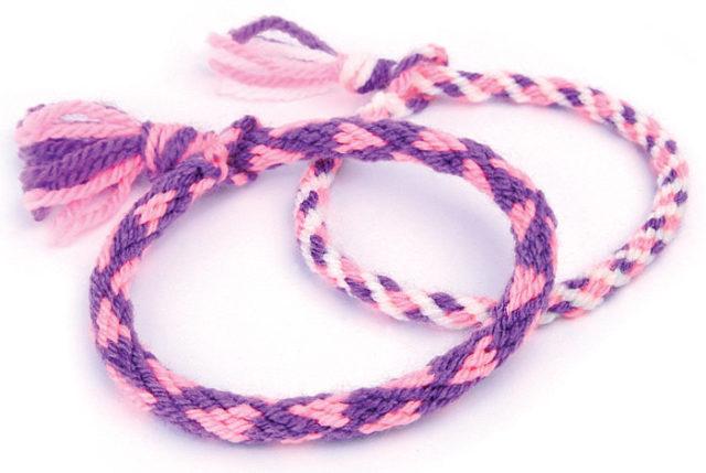Для плетения кумихимо потребуются толстые нитки