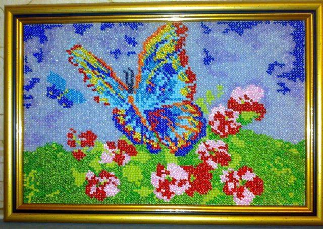 Картины бисером на клею можно сравнивать с алмазной мозаикой