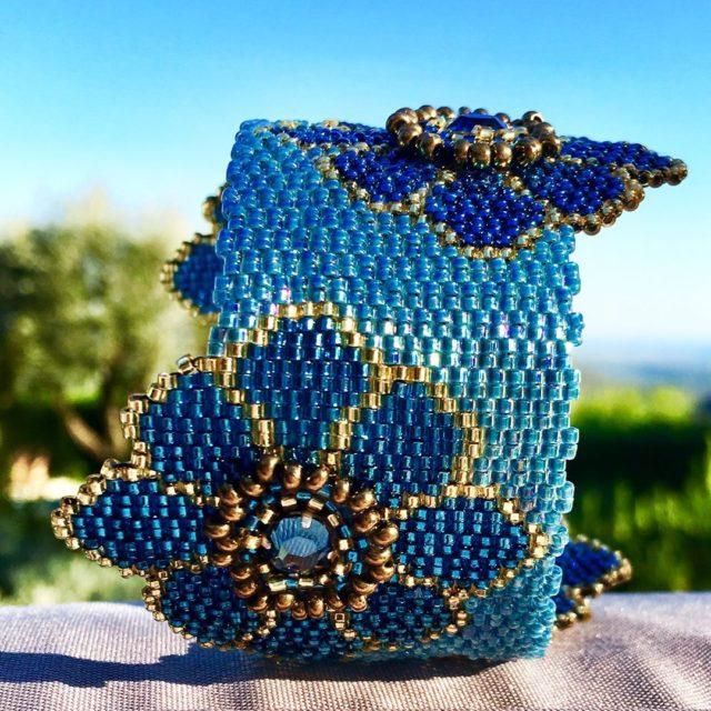 Кирпичное плетение - одна из самых популярных техник