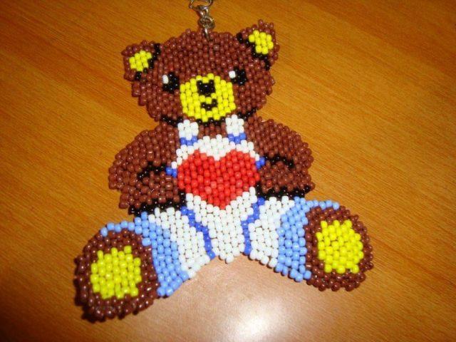 Медведь, созданный в кирпичной технике