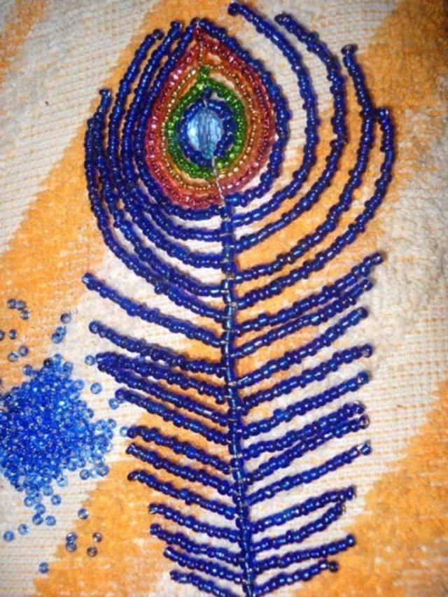 Плетение главных деталей павлина