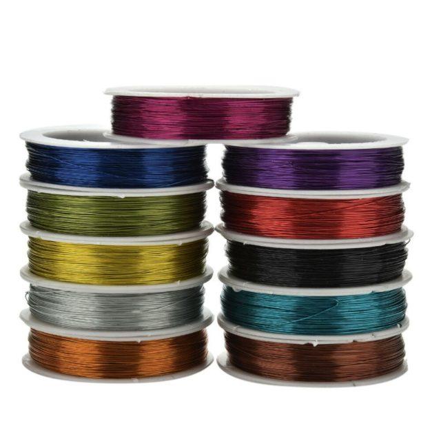 Бисерная резинка производится различных цветов