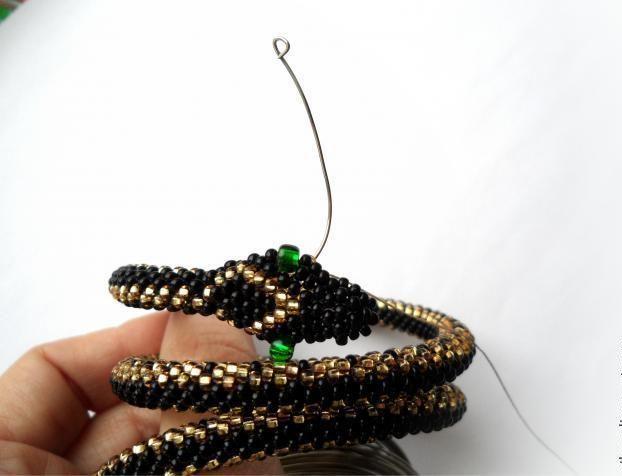 Порядок плетения змеи в объемной технике