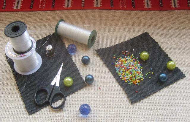 Для вышивки бисером необходимо правильно подобрать толщину нити