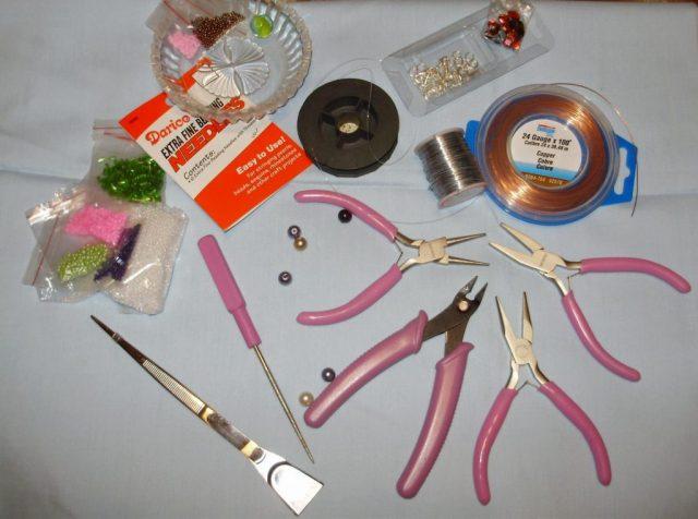 Фурнитура и инструмент для плетения бисером