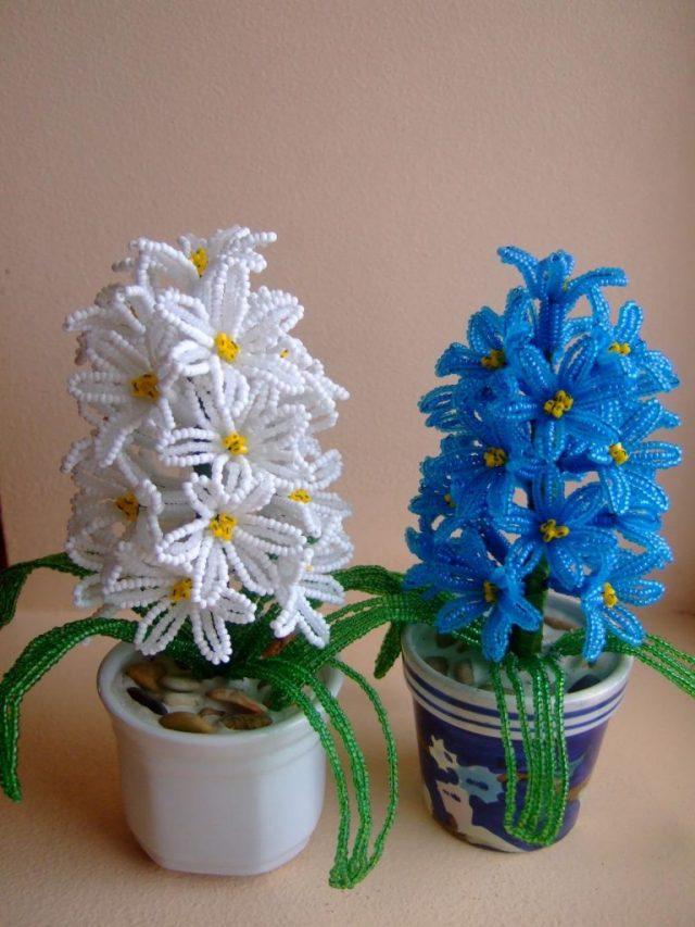 Цветы из бисера в горшках могут радовать глаз круглый год
