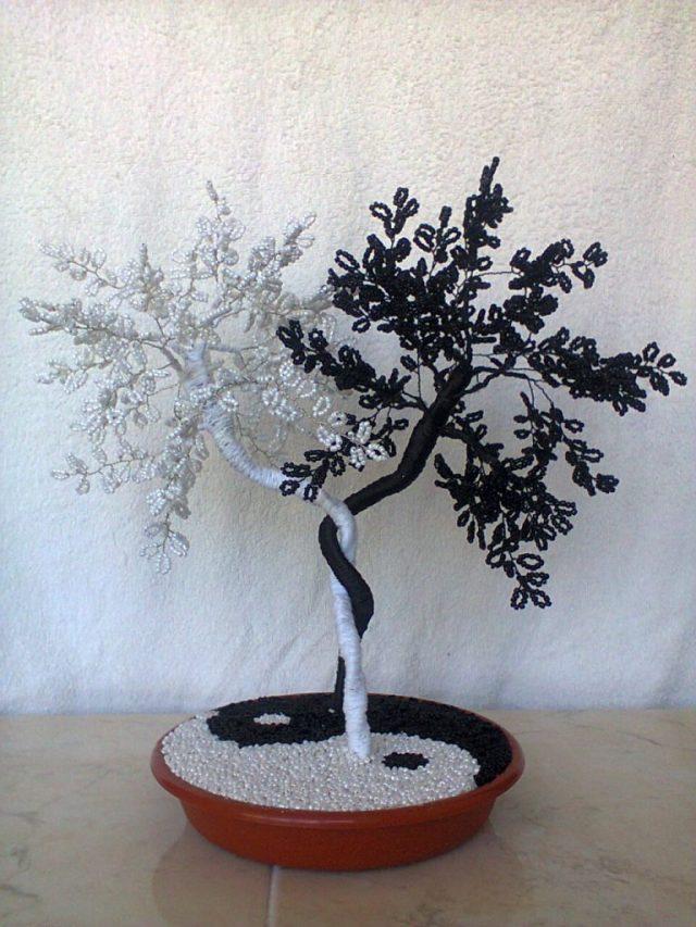 Дерево Инь-Янь из бисера может стать хорошим подарком