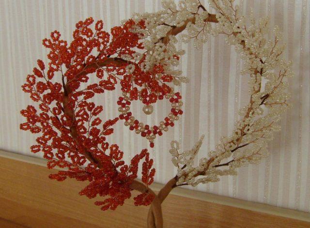 Дерево влюбленных из бисера