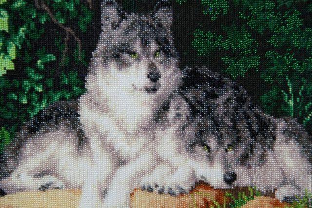 Вышивка бисером волка