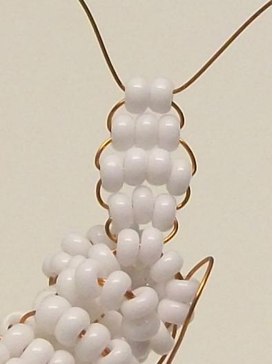 Объемное плетение зайца из бисера