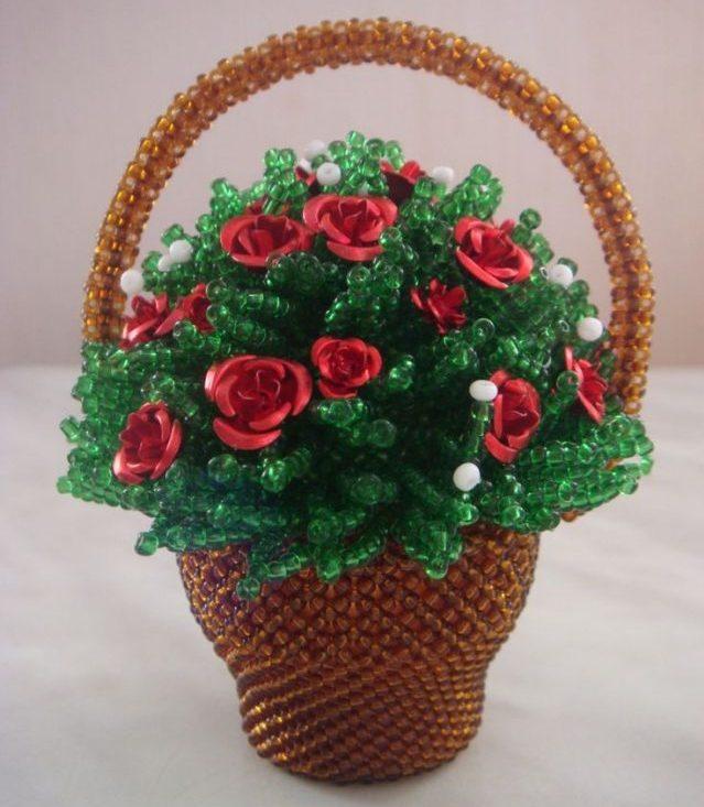 Букет из роз из бисера