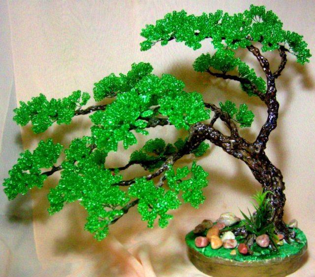 Плетение веток дерева