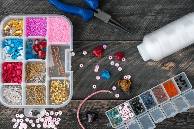 Необходимые инструменты и материалыдля работы с бисером