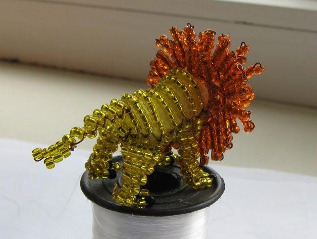 Объемная фигурка льва из бисера