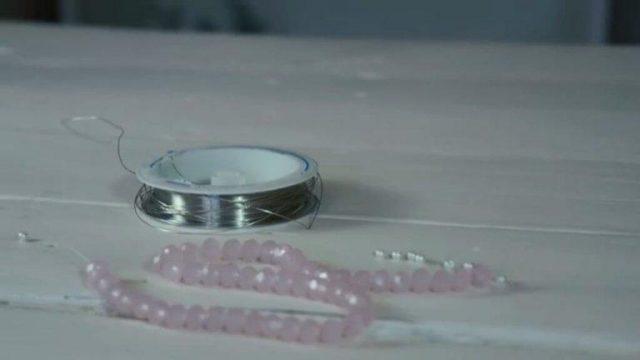 Инструкция создания аксессуара из бисера