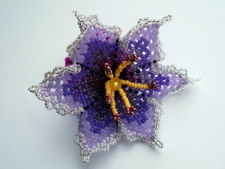 Чешский бисер для создания цветка