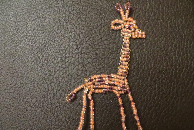 Схема плетения жирафа из бисера