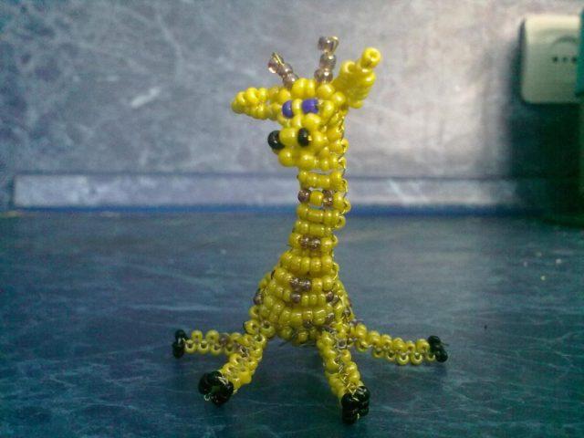 Жираф из бисера